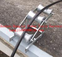 Triple cable roller