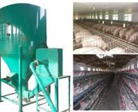 Animal feedstuff crushing and mixing machine